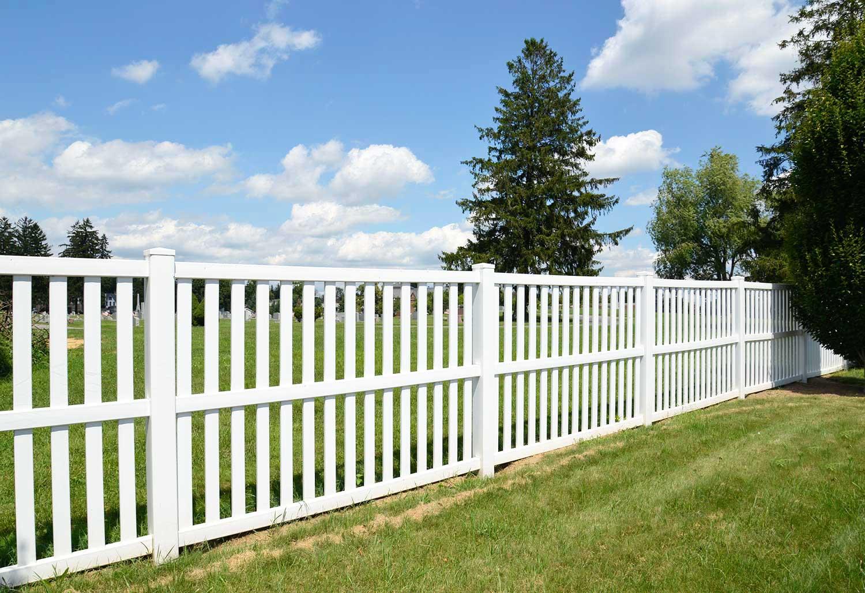 Idaho Falls vinyl fence company